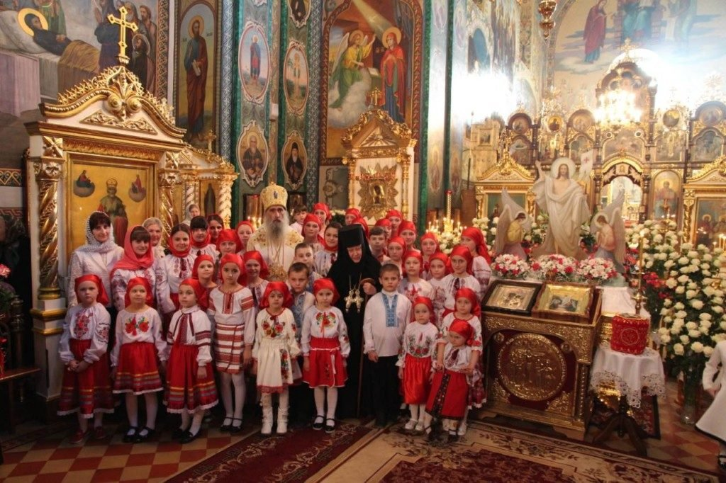 Пасхальні вітання Митрополита Сергія в Богоявленському монастирі м.Кременець.
