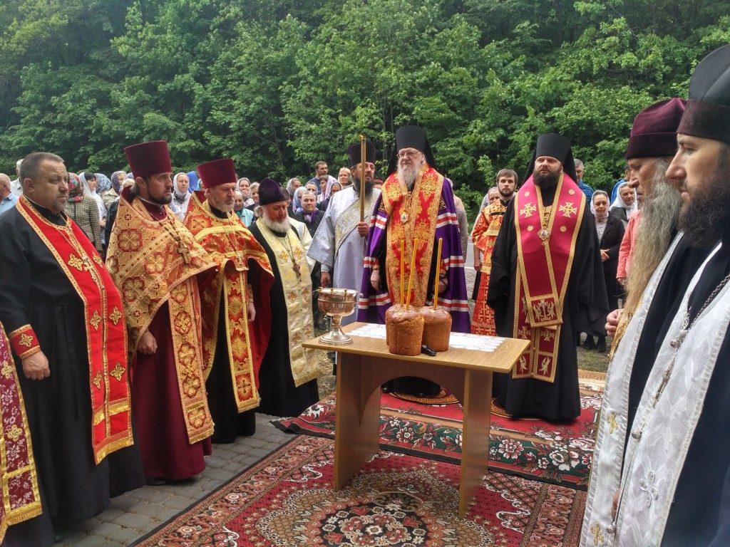Духовенство Рівненської та Тернопільської єпархій пом'януло митрополита Олексія (Громадського) на місці його загибелі